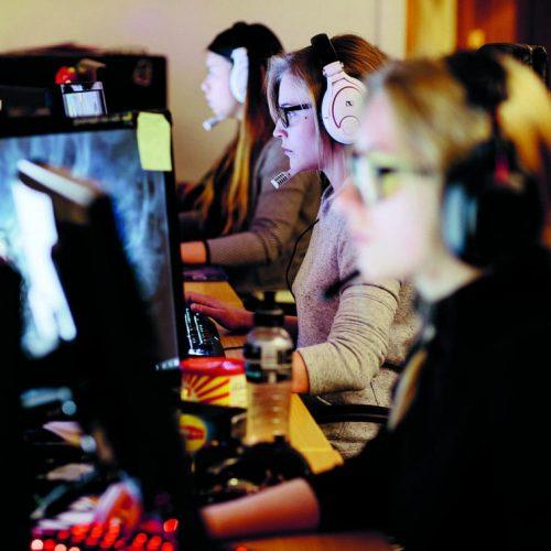E-sport, gaming og sosialt!